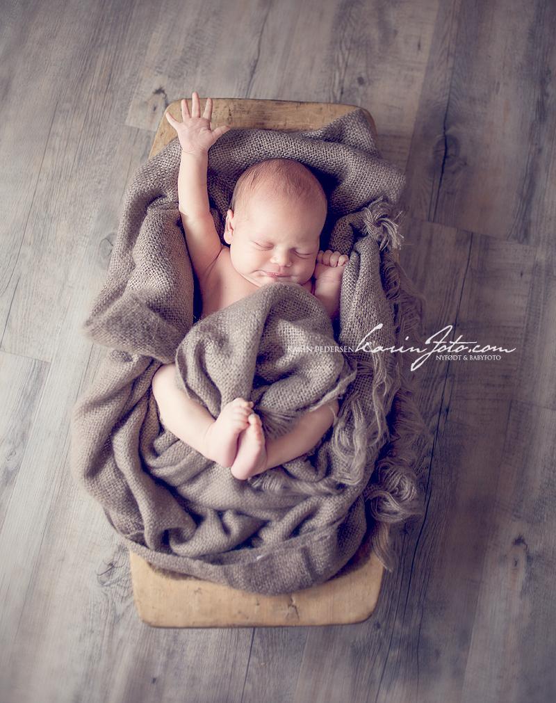 Nyfødtfotografering,babyfotografering,karinfoto,babyfotograf
