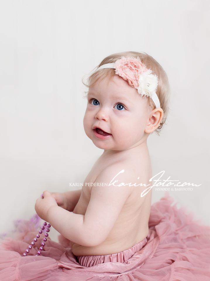 Ettårsfotografering,karinfoto,babyfotografering,babyfotograf,babystudio,baby,fotografering,studio med rekvisitter