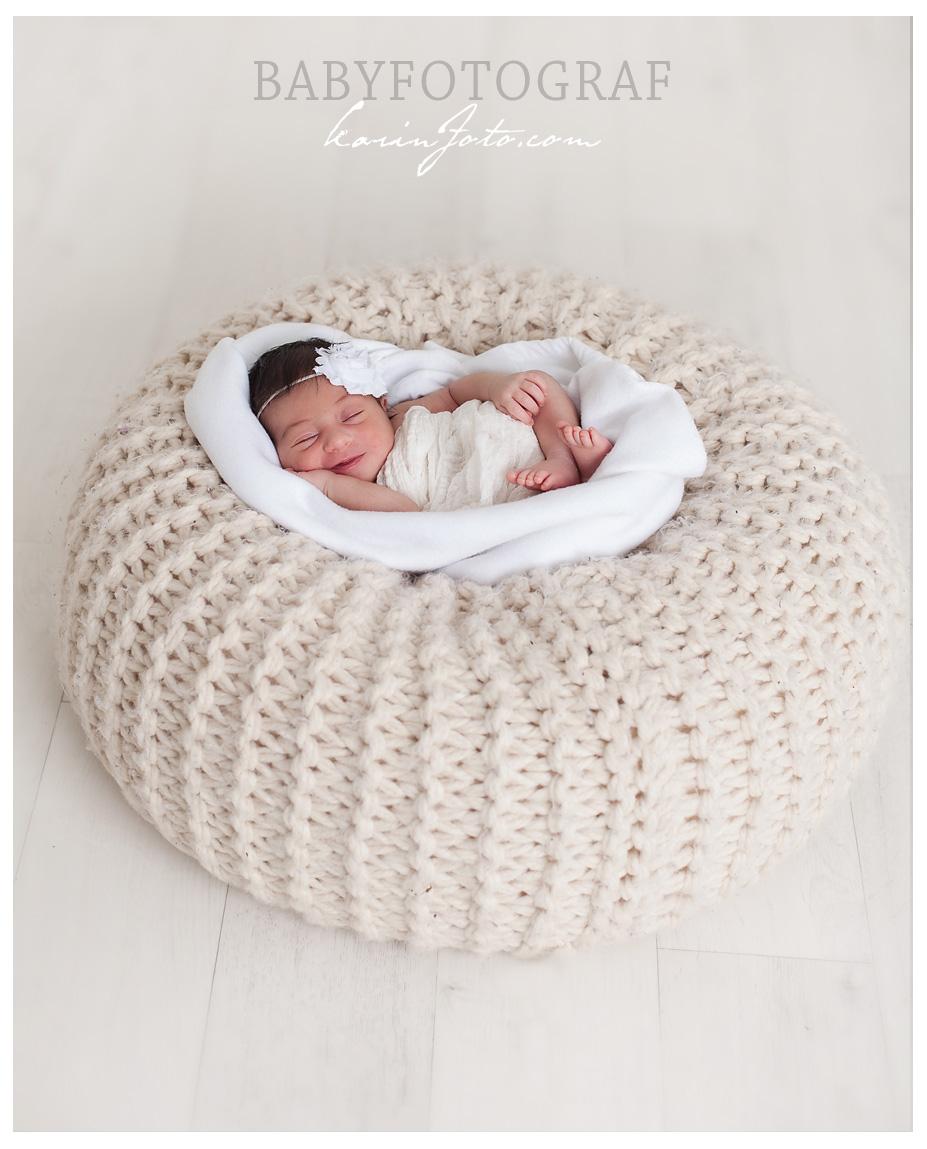 Smil,karinfoto,babyfotograf,nyfødtfotograf,babyfotografering,østfold,