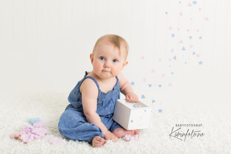 Ettårsfotografering hos Fotograf Karin Pedersen,babyfotograf og nyfødtfotograf på Østlandet