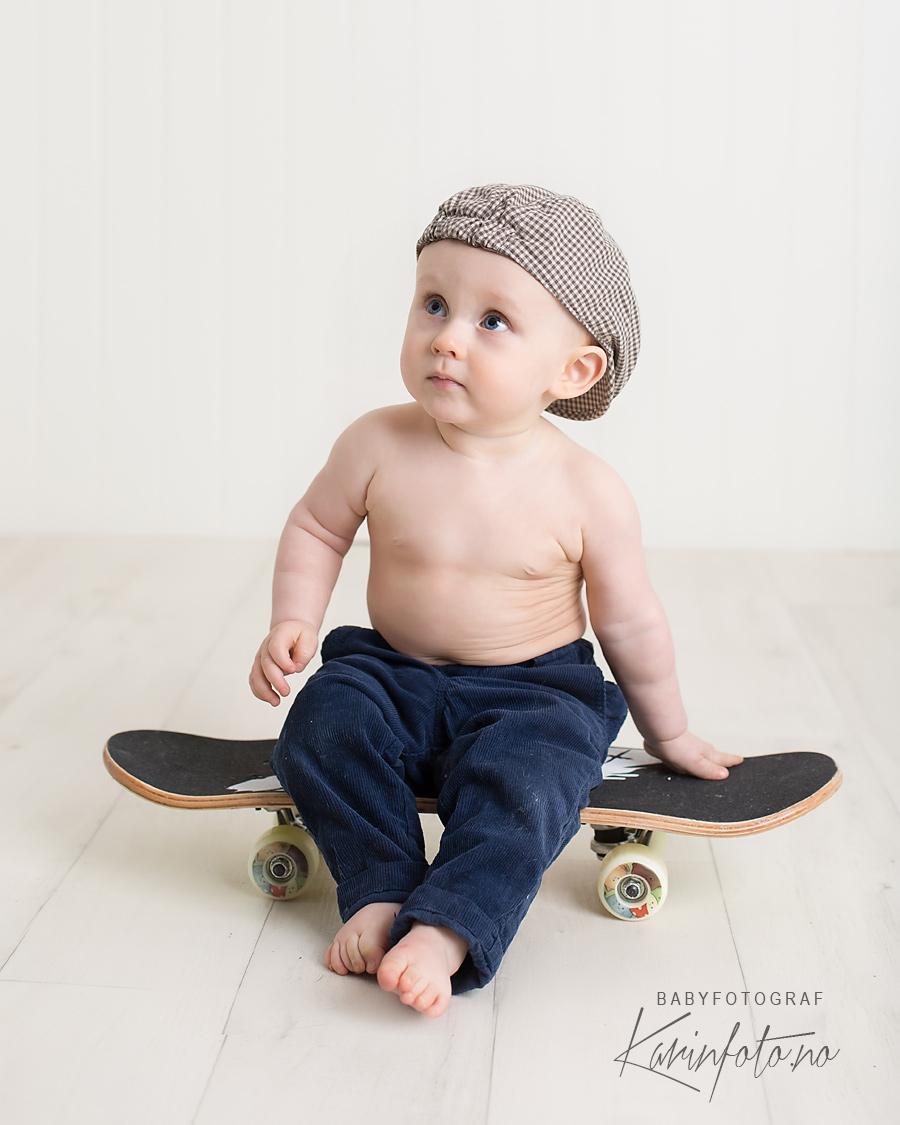 skateboard,fotostudio,karinfoto,babyfotograf,nyfødtfotograf,sarspborg,fotograf,ettårsfotografering,ettåring,ettår,østfold,fredrikstad,sarspborg