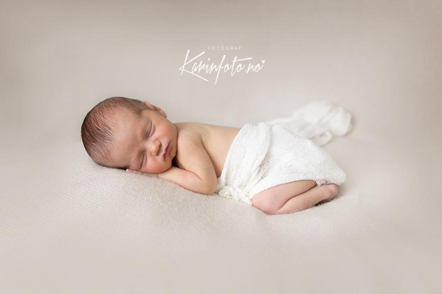 vakker,nyfødtfotografering,spesialisering,nyfødtfotograf,karinfoto
