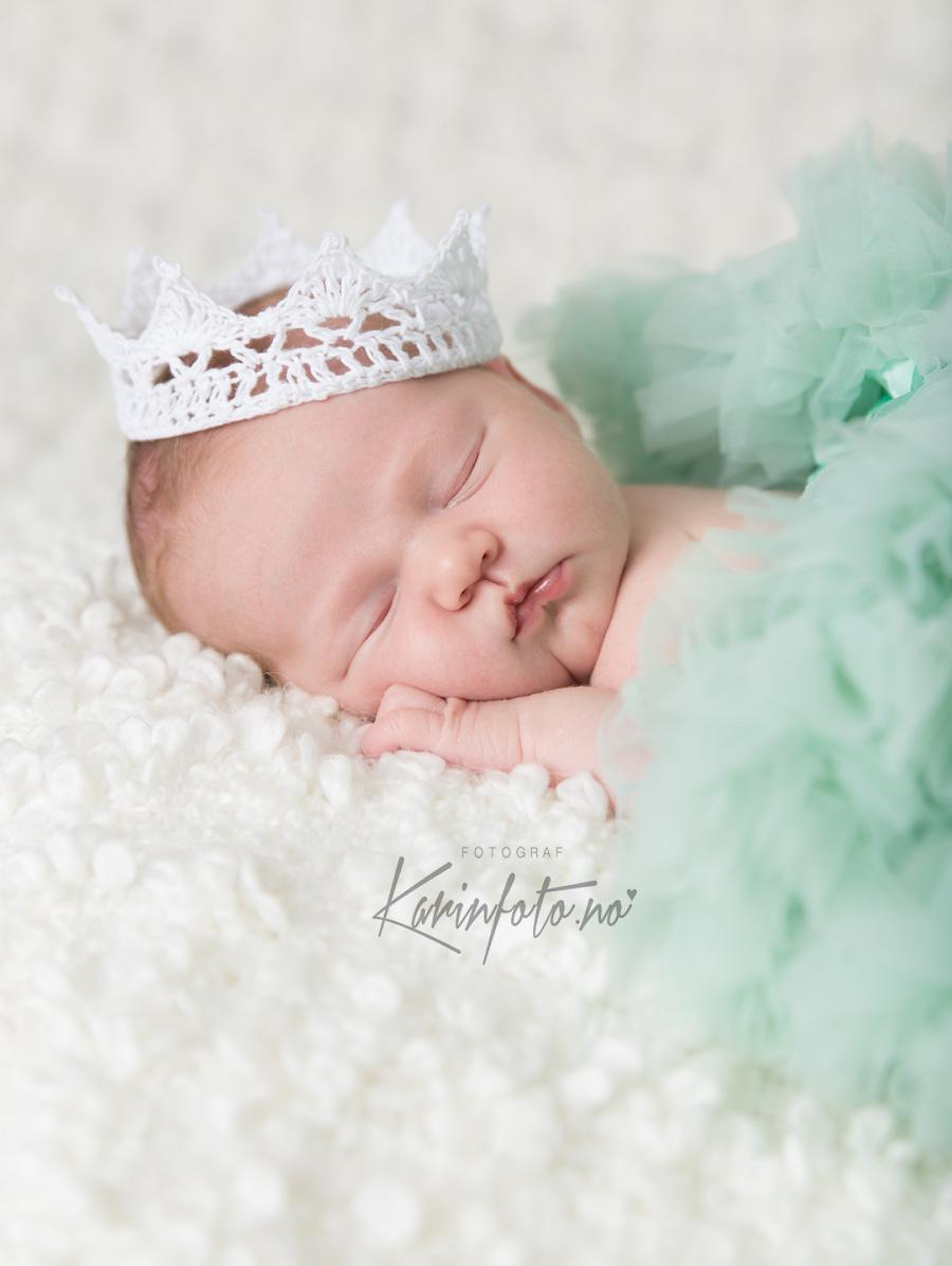 Tyllskjørt,KarinFoto,babyfotograf,nyfødtfotograf,nyfødtfotografering,mintgrønn,