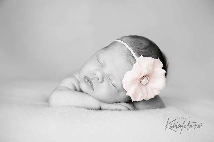 Nydelig nyfødtfotografering i babystudioet mitt i Sarpsborg,babyfotograf,nyfødtfotograf,Fotograf Karin Pedersen,KarinFoto studio,