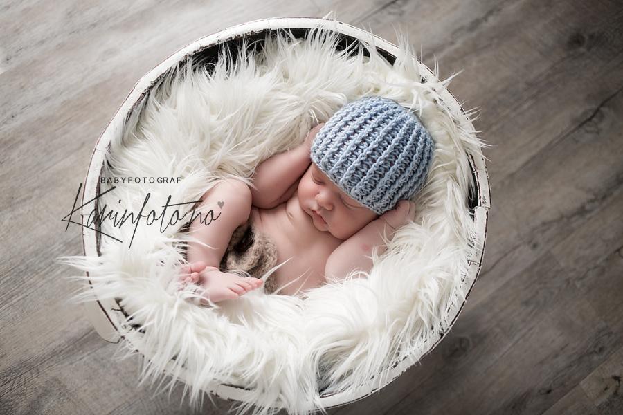 Vakker nyfødtfotografering i studio KarinFoto i Sarpsborg,Nyfødtfotograf,Nyfødt,Termin,Gravid,Booking