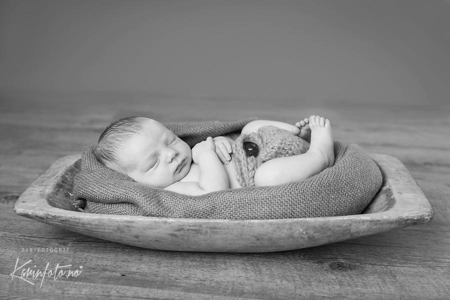 Nyfødtfotograf Karin Pedersen,Karinfoto,babyfotograf,nyfødtfotografering,trau,sarpsborg