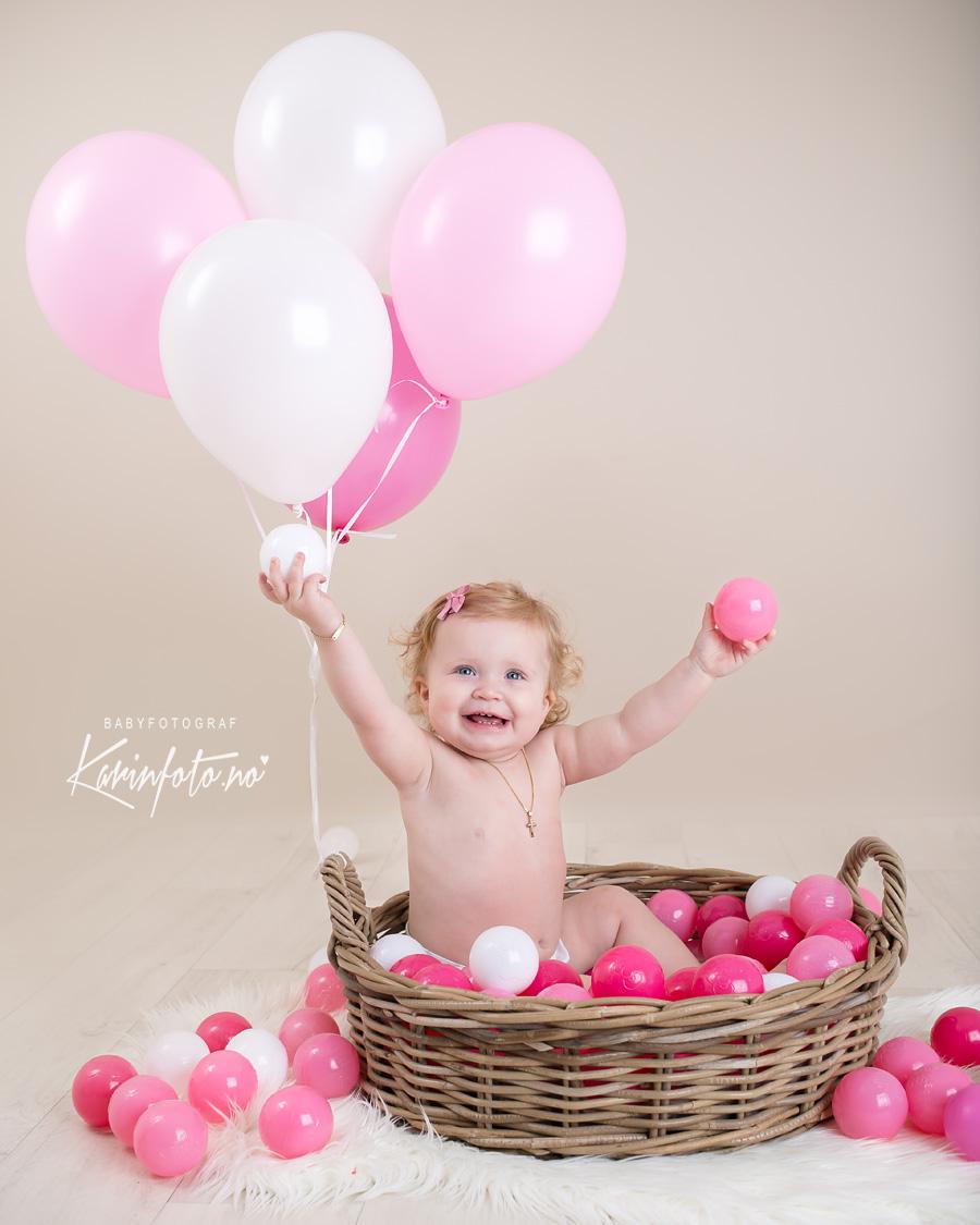 ettårsfotografering,Fotograf Karin Pedersen,babyfotograf,ballonger,Sarpsborg,Personlig babystudio