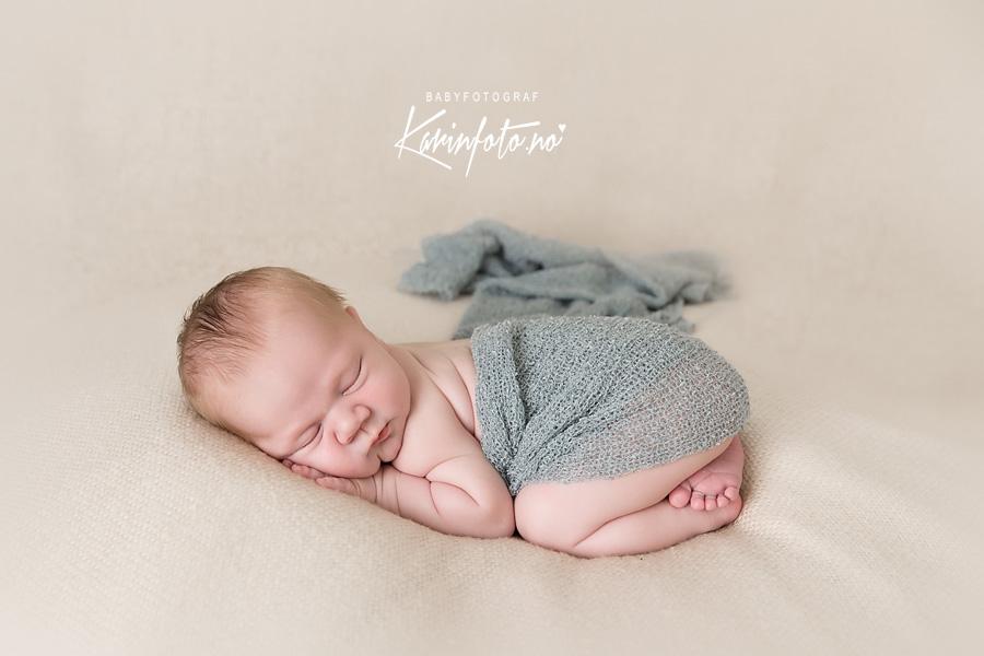 Nyfødtfotograf Karin Pedersen,Sarpsborg,Østfold,nyfødtfotografering,nyfødtfotograf,nyfødtkrone,nyfødt,babyfotograf i Sarpsborg