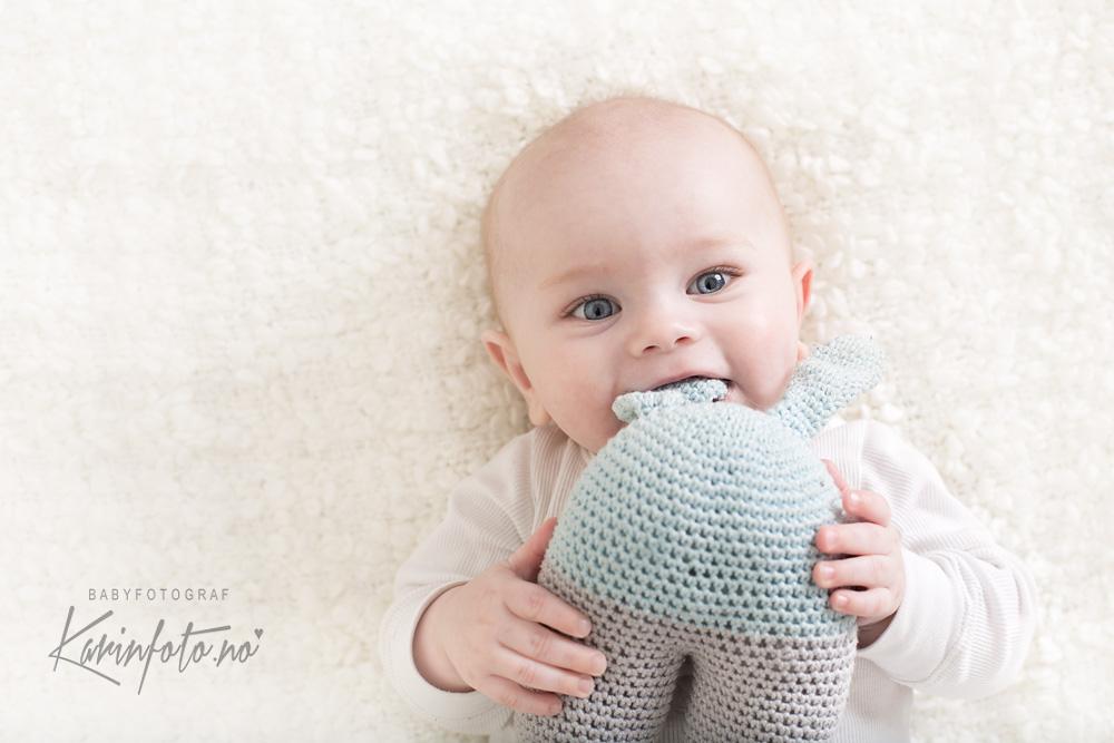 Babyfoto,fotografering,Karin Pedersen, Sarpsborg,6mnd,Fotograf på østlandet