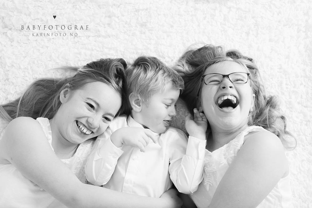 KarinFoto, søskenfotografering,babyfoto,nyfødtfotograf,nyfødtfotografering,søskenfotografering,nyfødt,barsel,forevige minner,stopp tiden,fotograf Karin Pedersen,sarpsborg,fredrikstad,halden,moss,askim,oslo,horten, kalnes, grålum