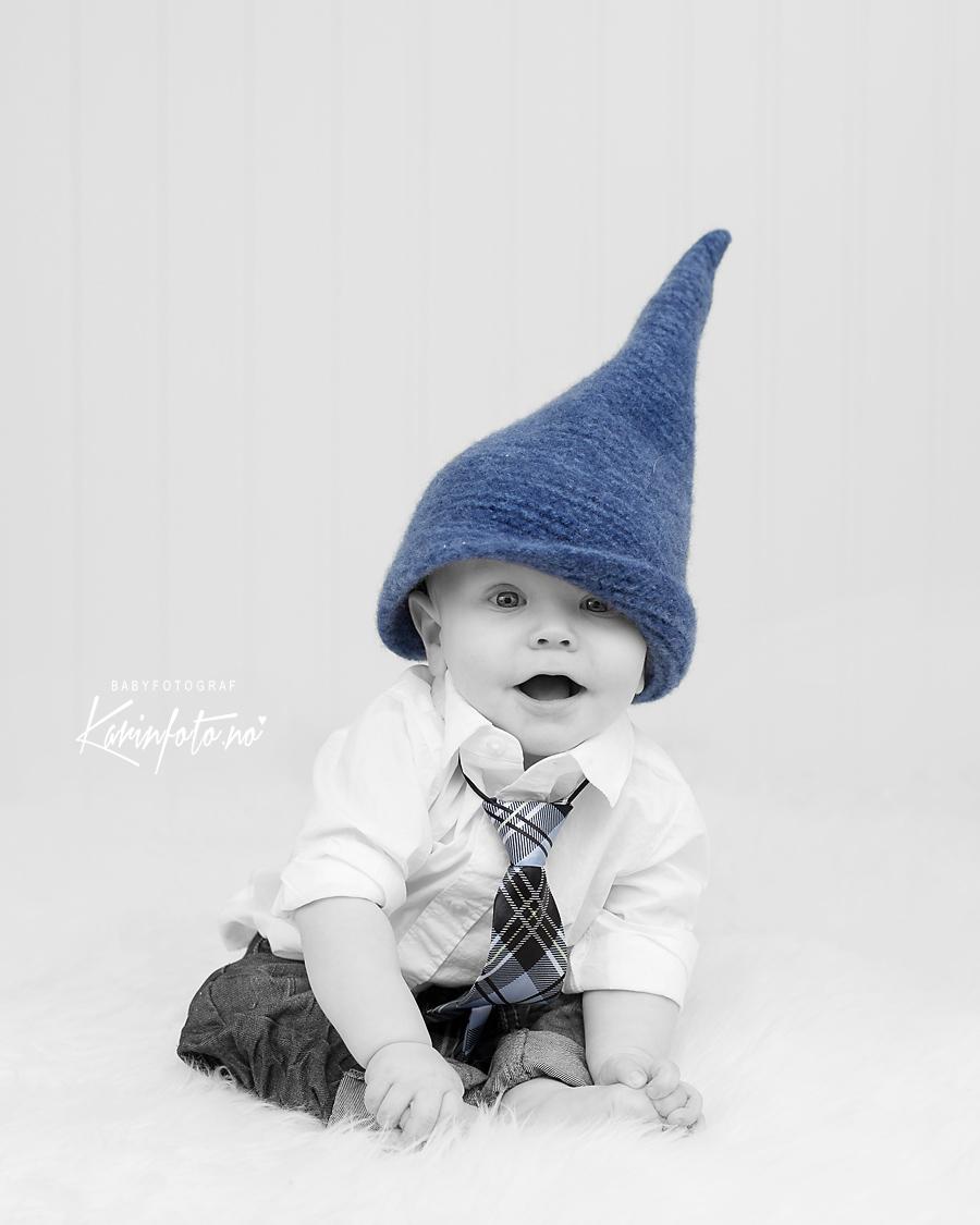 julebilde,karinfoto,fotograf Karin Pedersen,babyfotograf,barnefotograf,julegave,juleinspirert,blånisse,blånisselue
