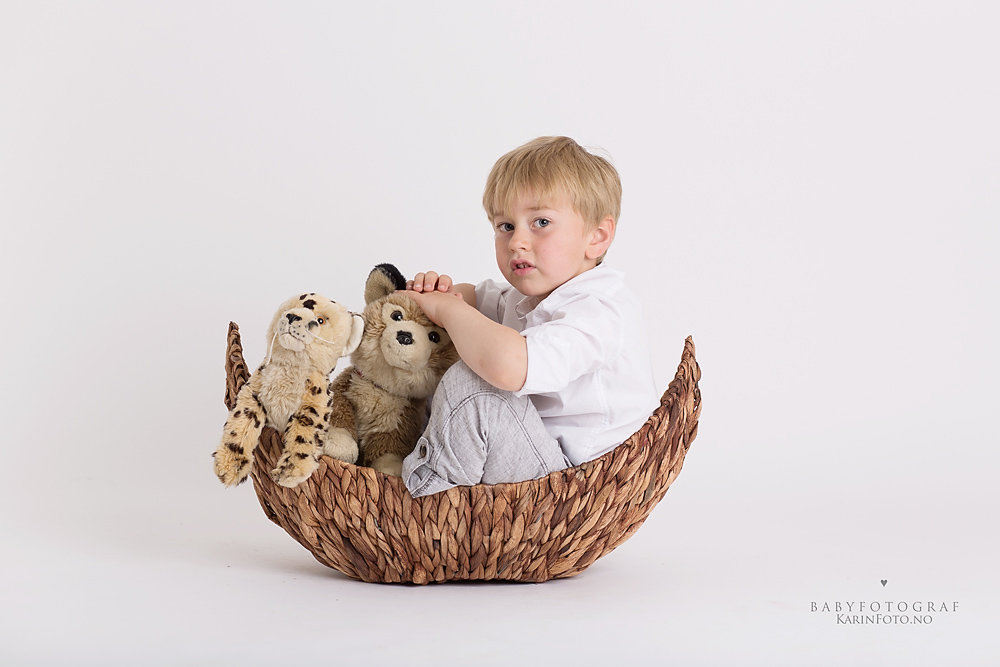 Barnefotograf,karinPedersen,barnefoto,5år,kosedyr,studiofoto,sarpsborg,oslo,østfold