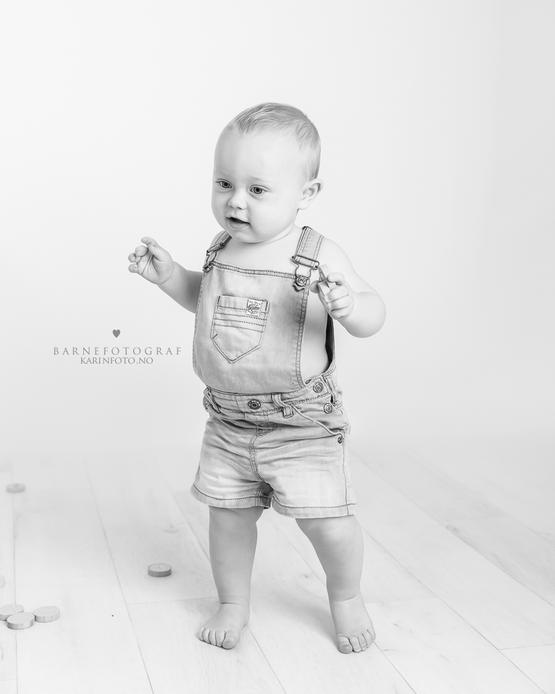 Ettårsfotografering,ettårsfoto,barnefotograf Karin Pedersen,karinfoto,sarpsborg,fredrikstad,moss,halden,oslo,østlandet
