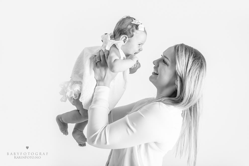 Familiefoto,fotograf,karinPedersen,sarpsborg,morogdatter,babyfotografering